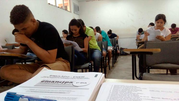 Simulado do Emancipa prepara estudantes para o Enem 2016