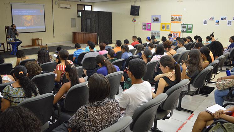 Fecampo promove reflexões sobre literatura nas diferentes áreas do conhecimento