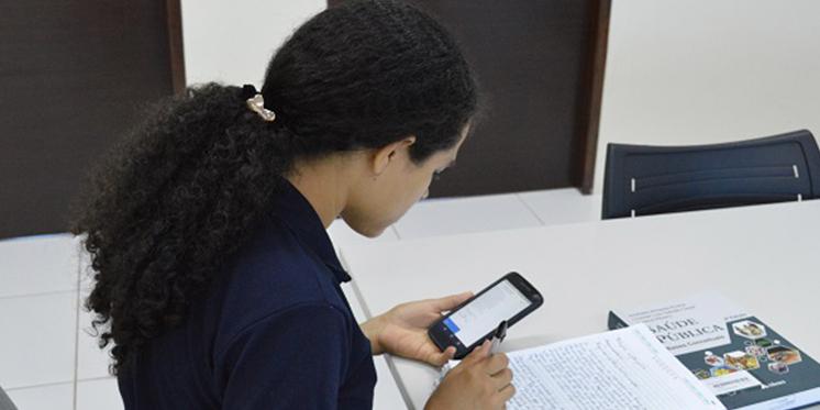 Ensino remoto: discentes recebem chips com pacote de dados para acesso à internet
